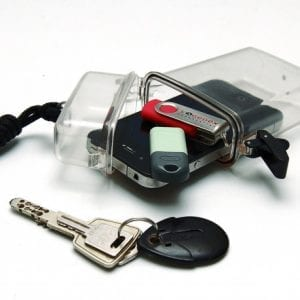 boîtier hermétique vide poche livré avec un cordon noir