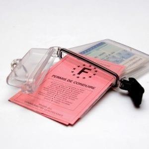 boîtier hermétique avec anneau, adapté au format carte d'identité